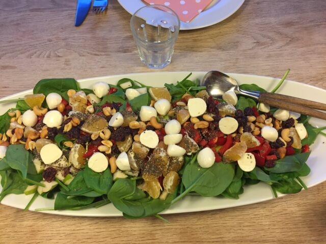 Salat med spinat
