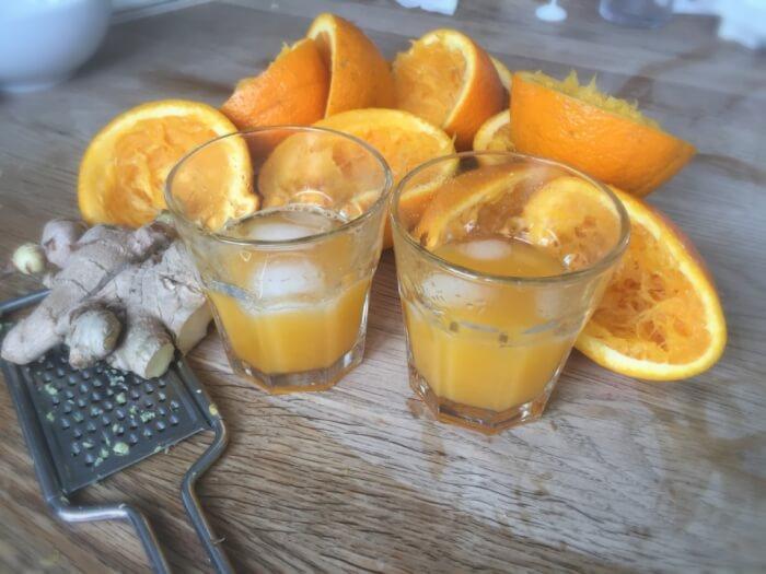 friskpresset appelsinjuice med ingefær