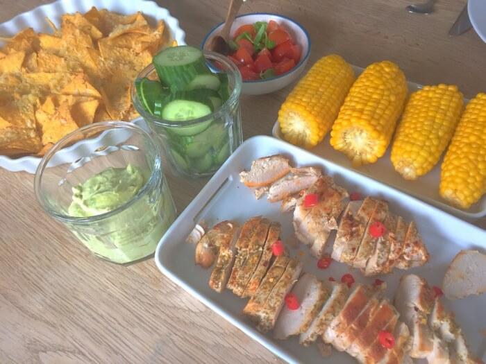 mexicansk kylling og nachos med ost