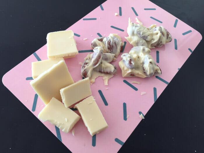 mandler med hvid chokolade