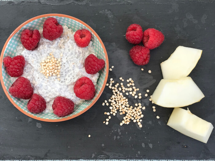 chiagrød med poppet quinoa
