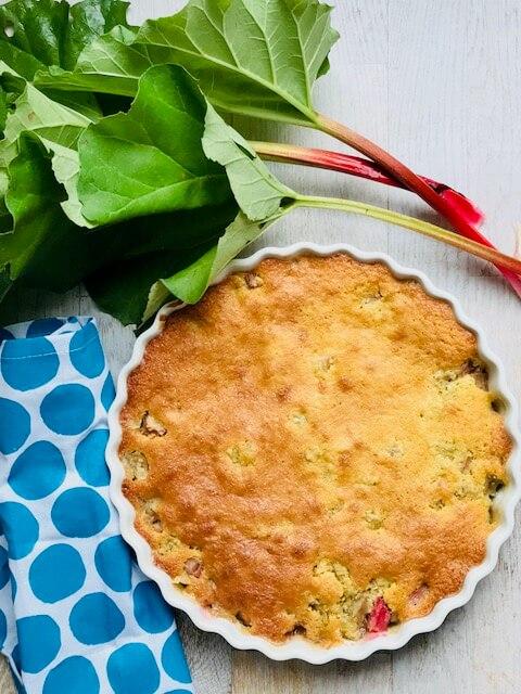 den bedste rabarberkage med kokosmel