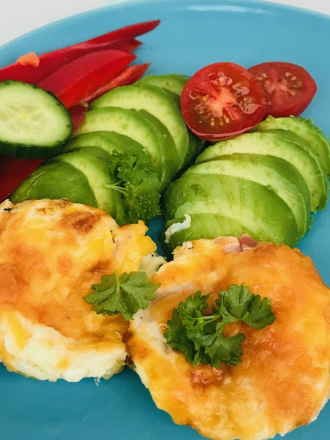 æggemuffins med skinke og ost
