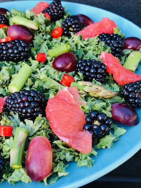 grønkaalsalat med grapefrugt