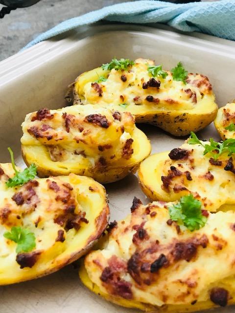 bagte kartofler med baconfyld