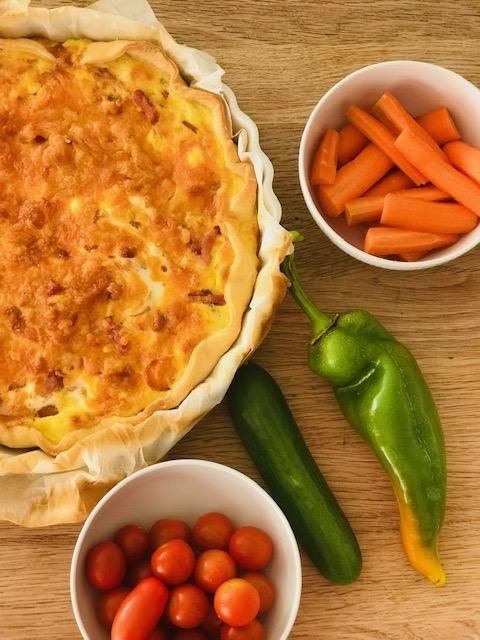 Verdens nemmeste madtærte med gulerødder og bacon
