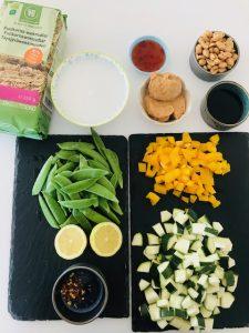 Wok med nudler og hoisin sauce