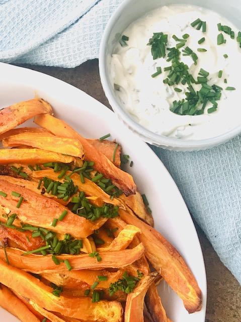 Ovnbagte søde kartofler med dip