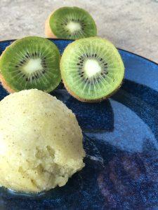 Kiwi is – frisk og læskende sorbet is