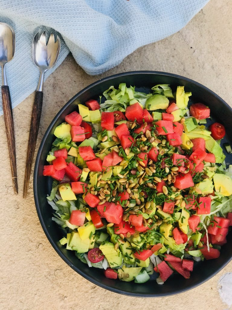Salat med melon og avocado