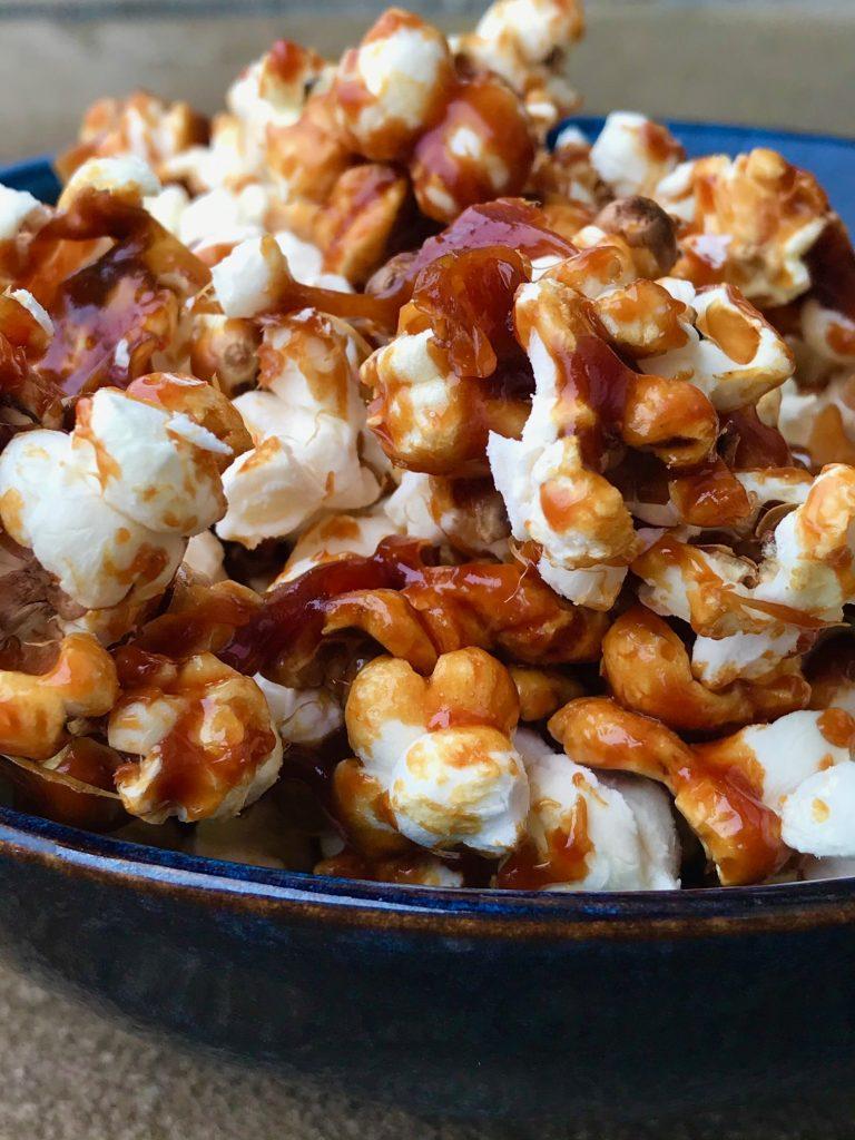 Popcorn med karamel og salt
