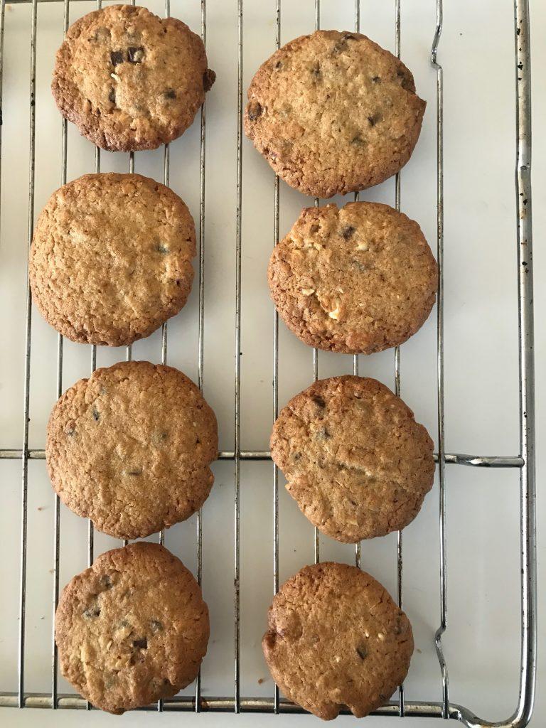 Sprøde småkager med mandler og chokolade