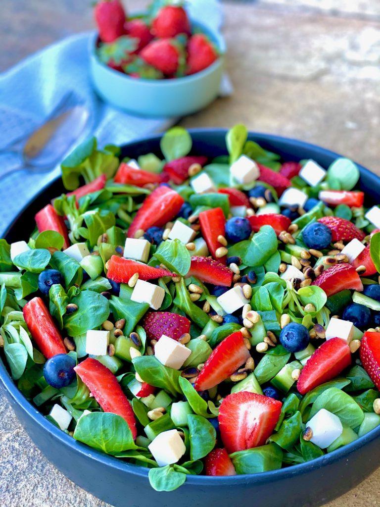Feldsalat med bær