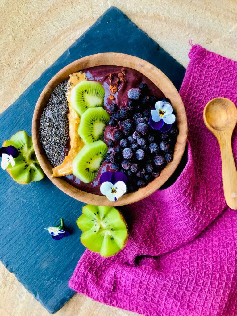 Smothiebowl med spinat og bær