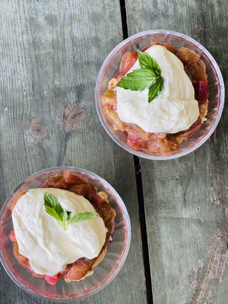verdens nemmeste Rabarber dessert