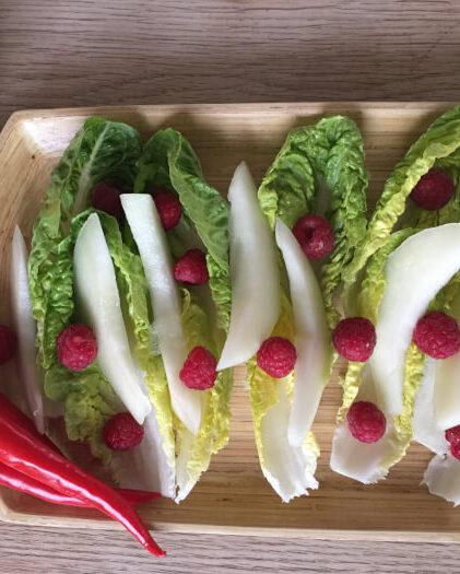 Hjertesalat med hindbær og honningmelon