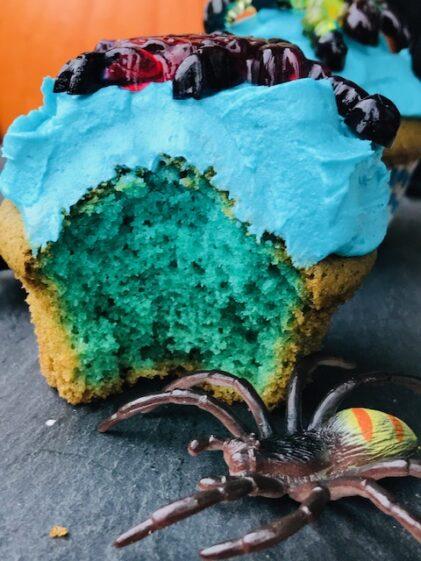 Giftige blå muffins  til halloweenfesten