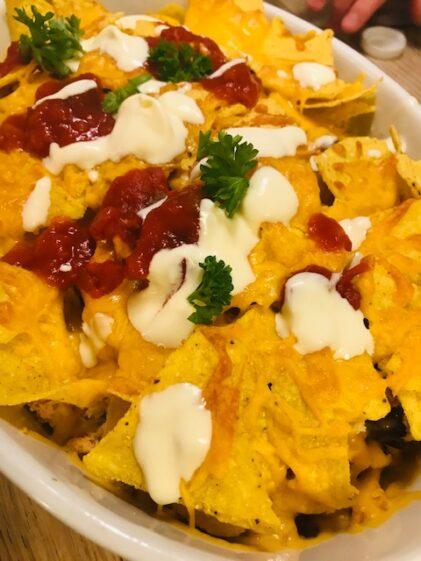 Pulled chicken i fad – mør kylling med nachos