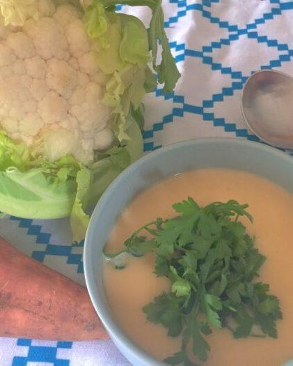 Opskrift på suppe med blomkål og sød kartoffel