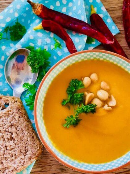 Suppe med søde kartofler og kokosmælk